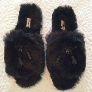 NWOT Coach Zoe Faux Fur Slippers